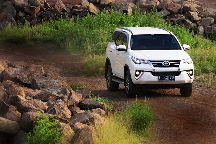 BESTCAR FIRST DRIVE - Toyota All New Fortuner VRZ
