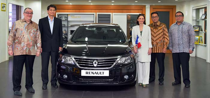 BESTCAR NEWS - RENAULT LATITUDE