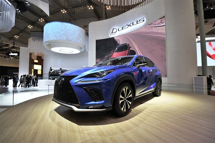 Luxury compact SUV Lexus New NX 300 di ajang GIIAS 2017